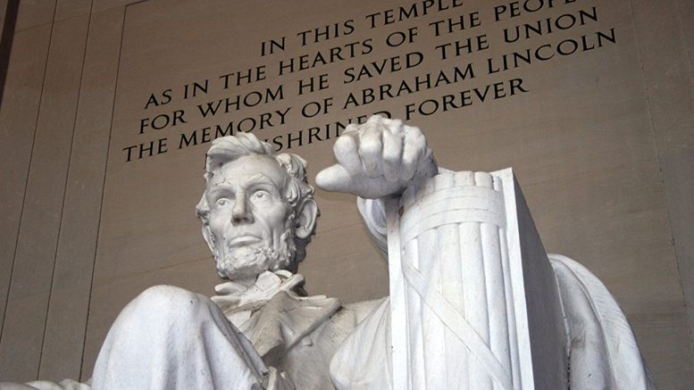 why is the lincoln memorial important